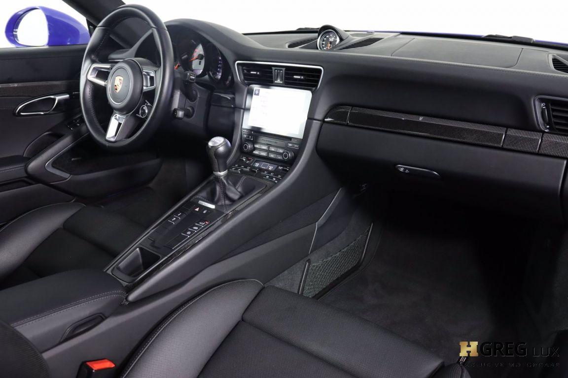 2017 Porsche 911 Carrera 4 GTS #60