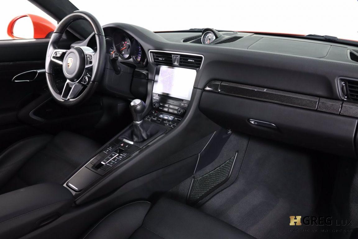 2019 Porsche 911 Carrera GTS #60