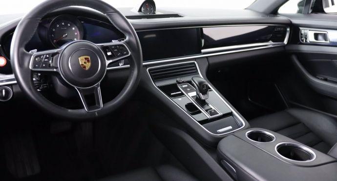 2018 Porsche Panamera 4 #1