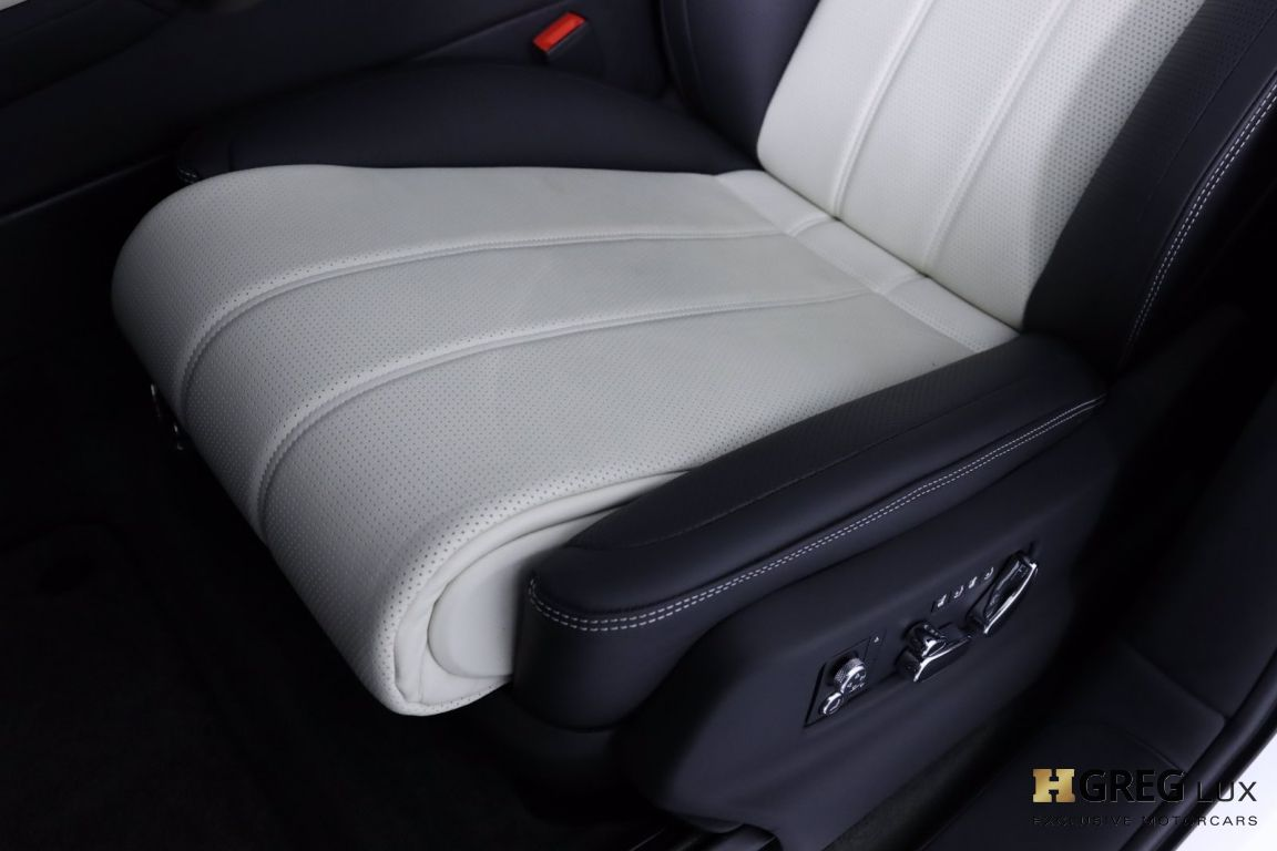 2021 Bentley Bentayga V8 #32