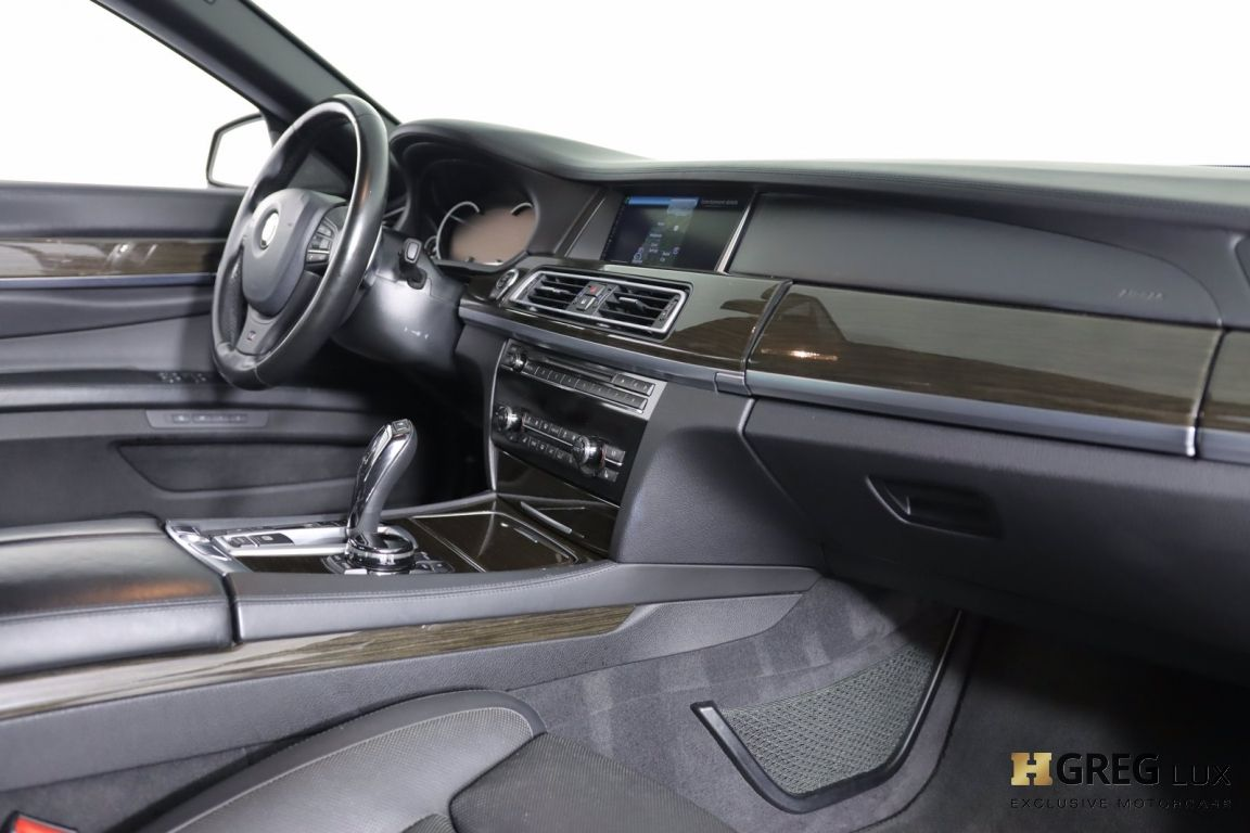 2015 BMW 7 Series 750Li #49