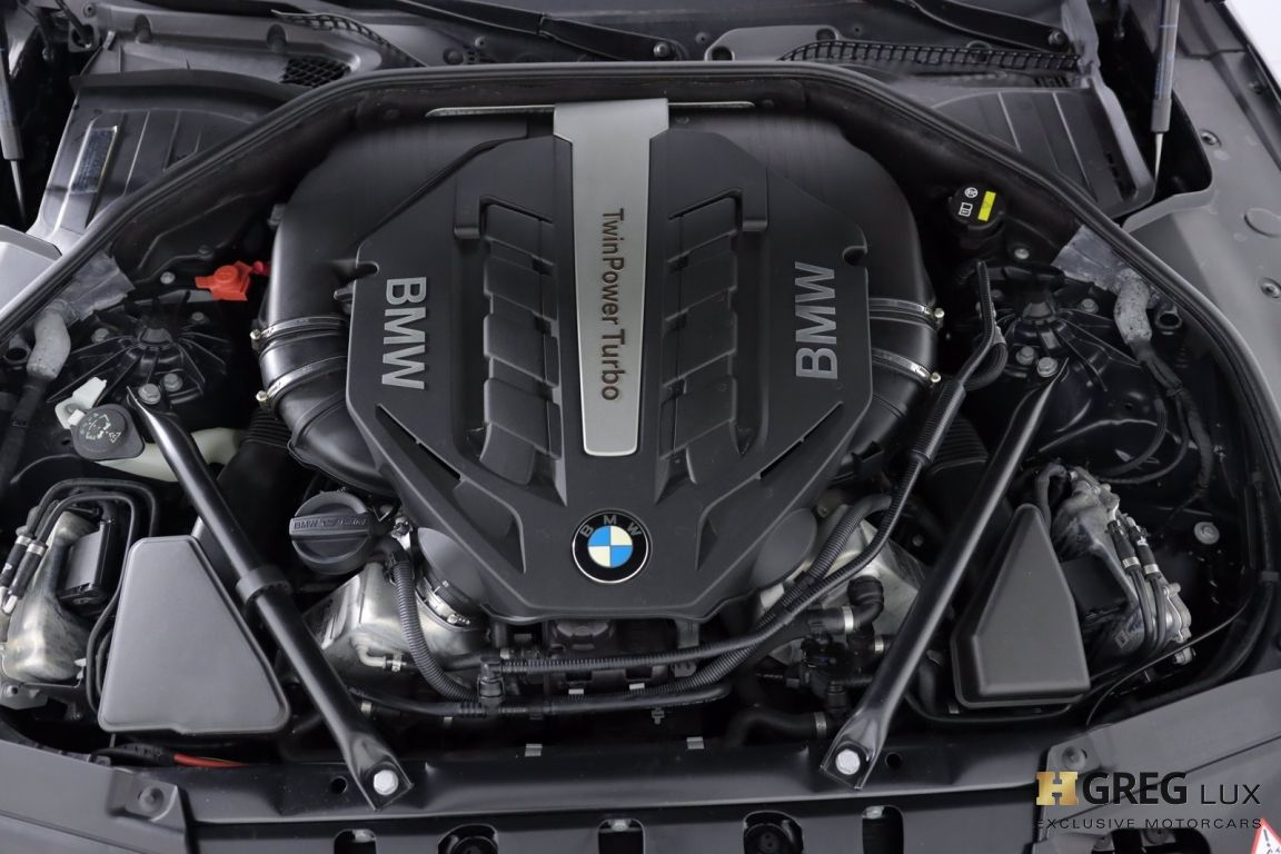 2015 BMW 7 Series 750Li #50