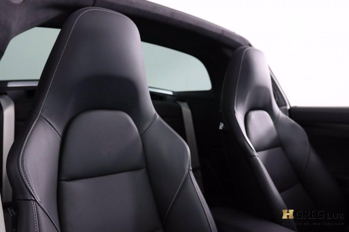 2019 Porsche 911 4 GTS #37