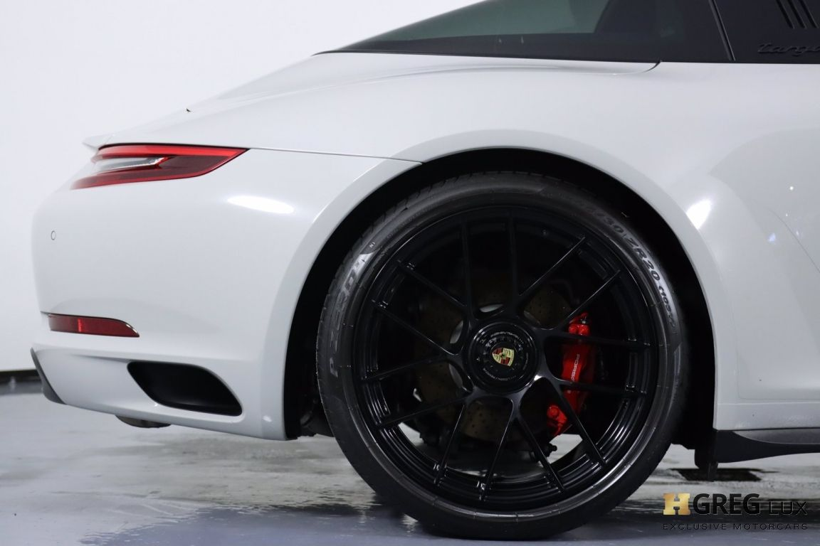 2019 Porsche 911 4 GTS #17