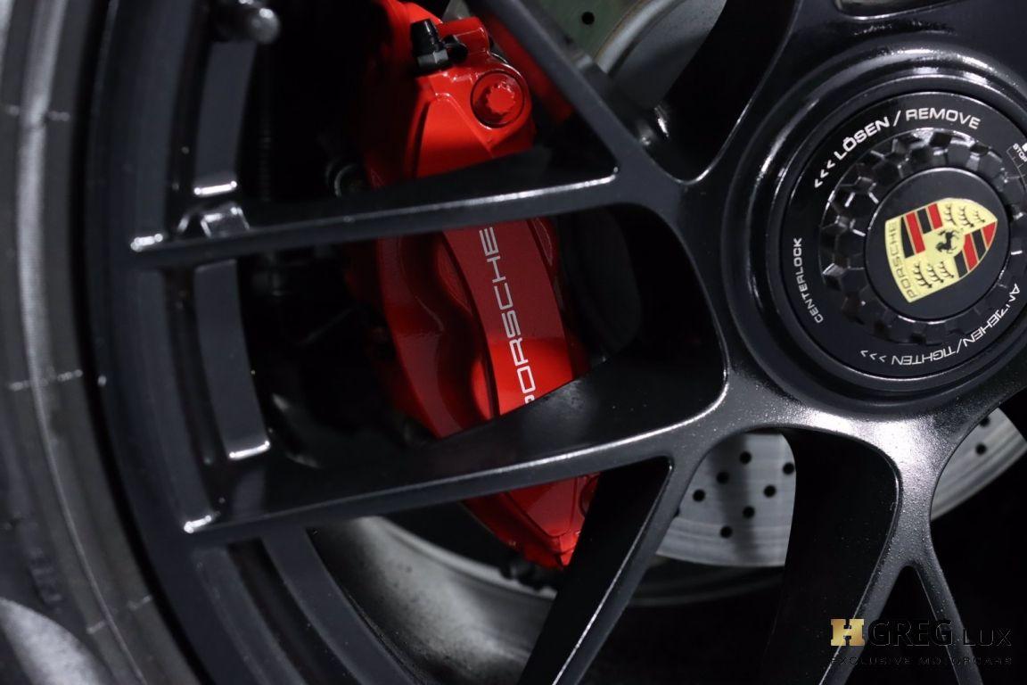 2019 Porsche 911 Targa 4 GTS #32