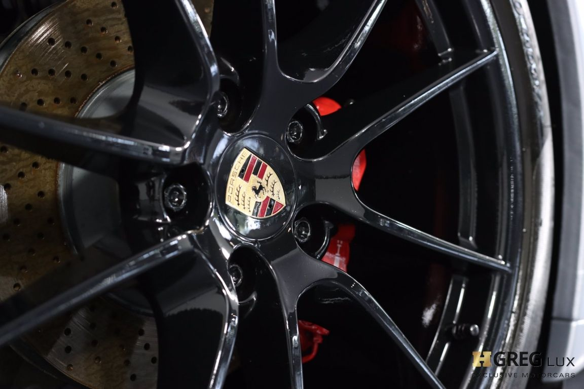 2015 Porsche 911 Carrera 4 GTS #17