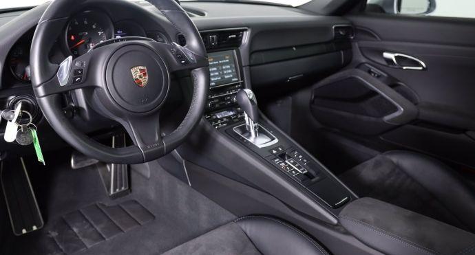 2015 Porsche 911 Carrera 4 GTS #1
