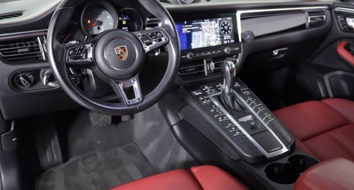 2019 Porsche Macan S #1