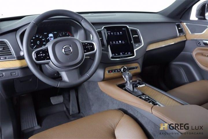 2021 Volvo XC90 Momentum #1