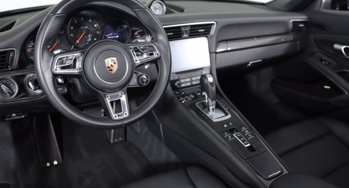 2019 Porsche 911 Carrera 4S #1