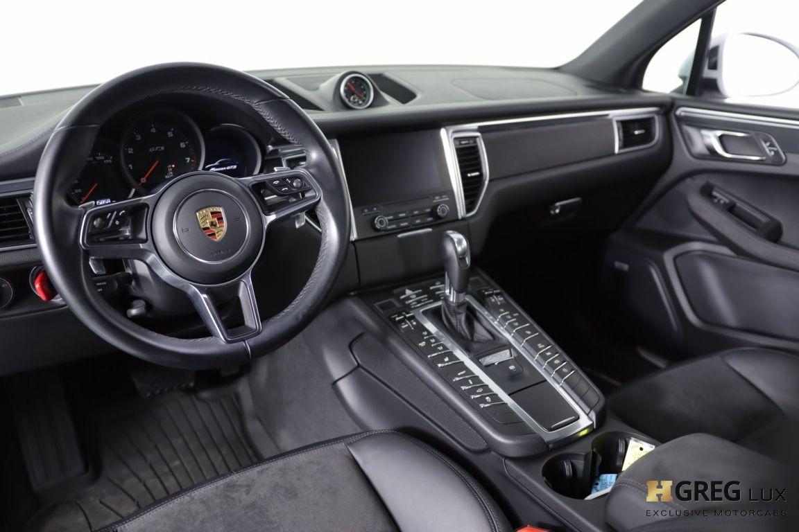 2017 Porsche Macan GTS #1