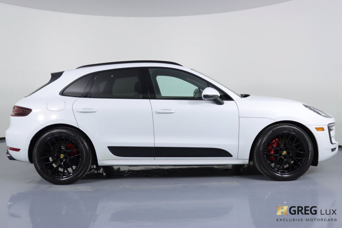 2017 Porsche Macan GTS #10