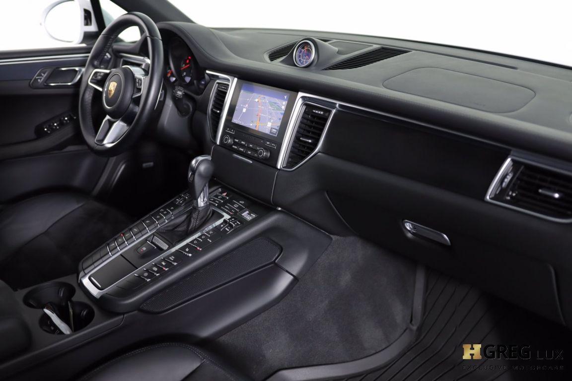 2017 Porsche Macan GTS #28