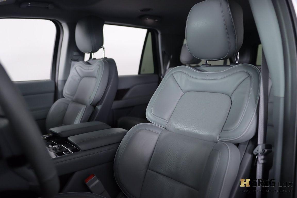2019 Lincoln Navigator L Select #2