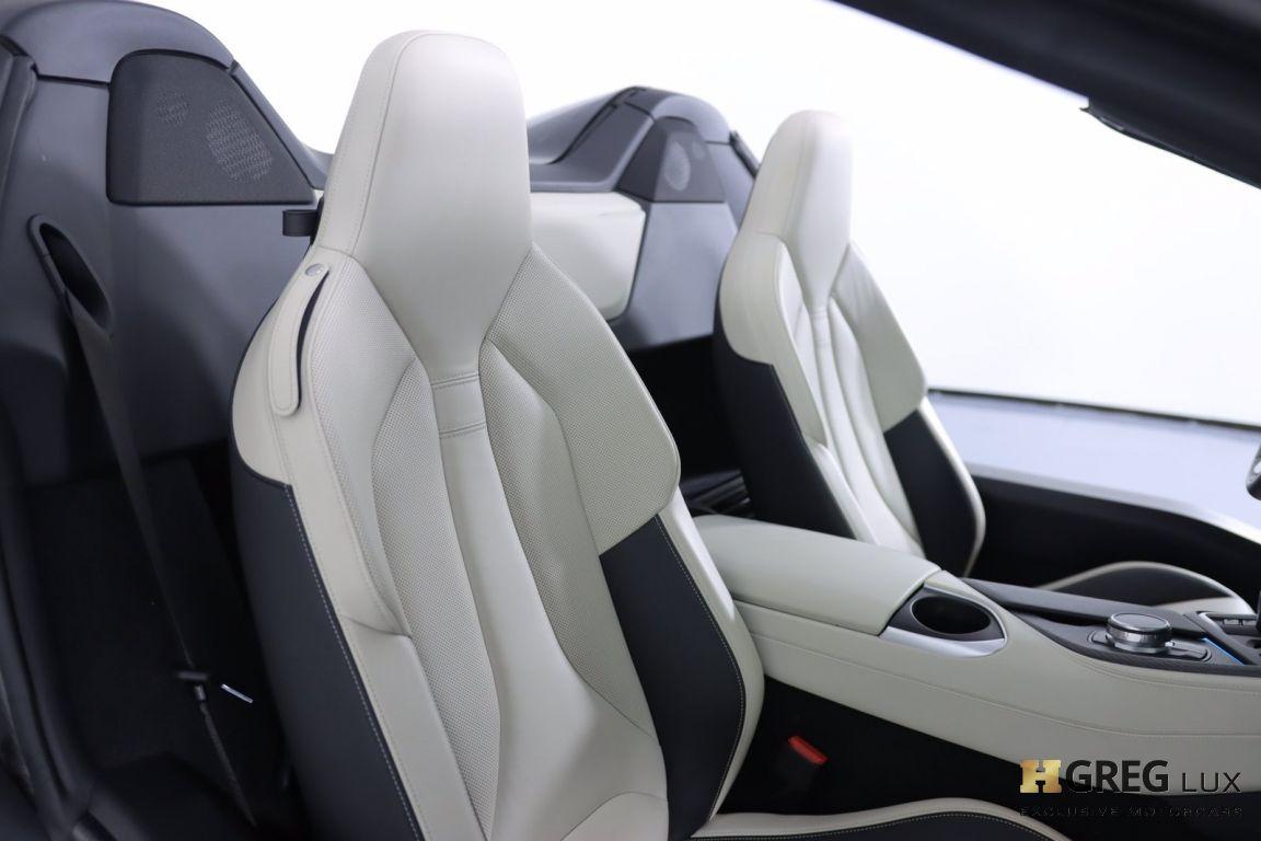 2019 BMW i8 Roadster #33