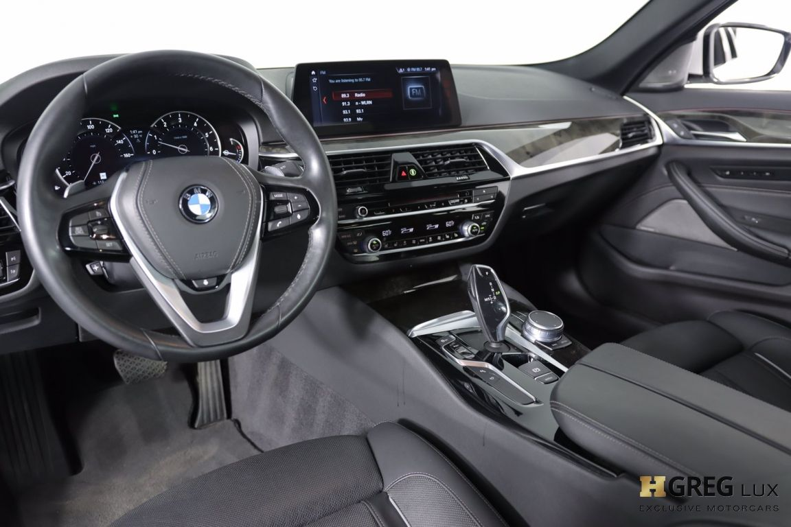 2018 BMW 5 Series 540i xDrive #1