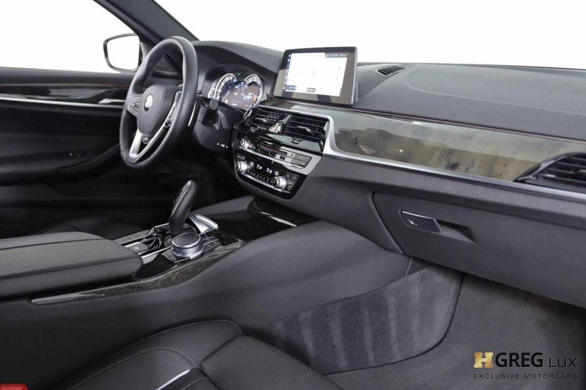 2018 BMW 5 Series 540i xDrive #29