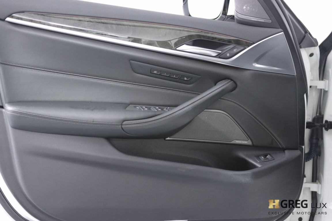 2018 BMW 5 Series 540i xDrive #37