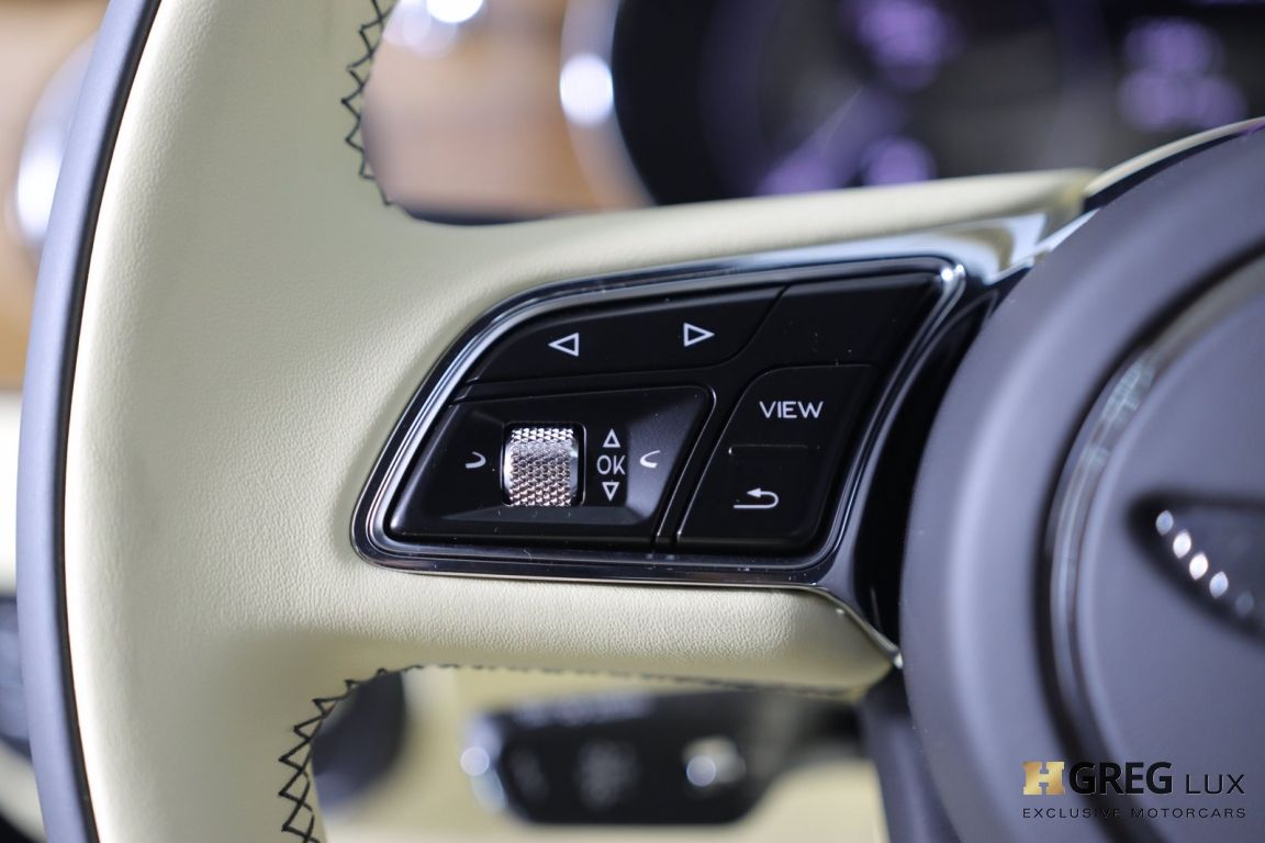 2021 Bentley Bentayga V8 #47