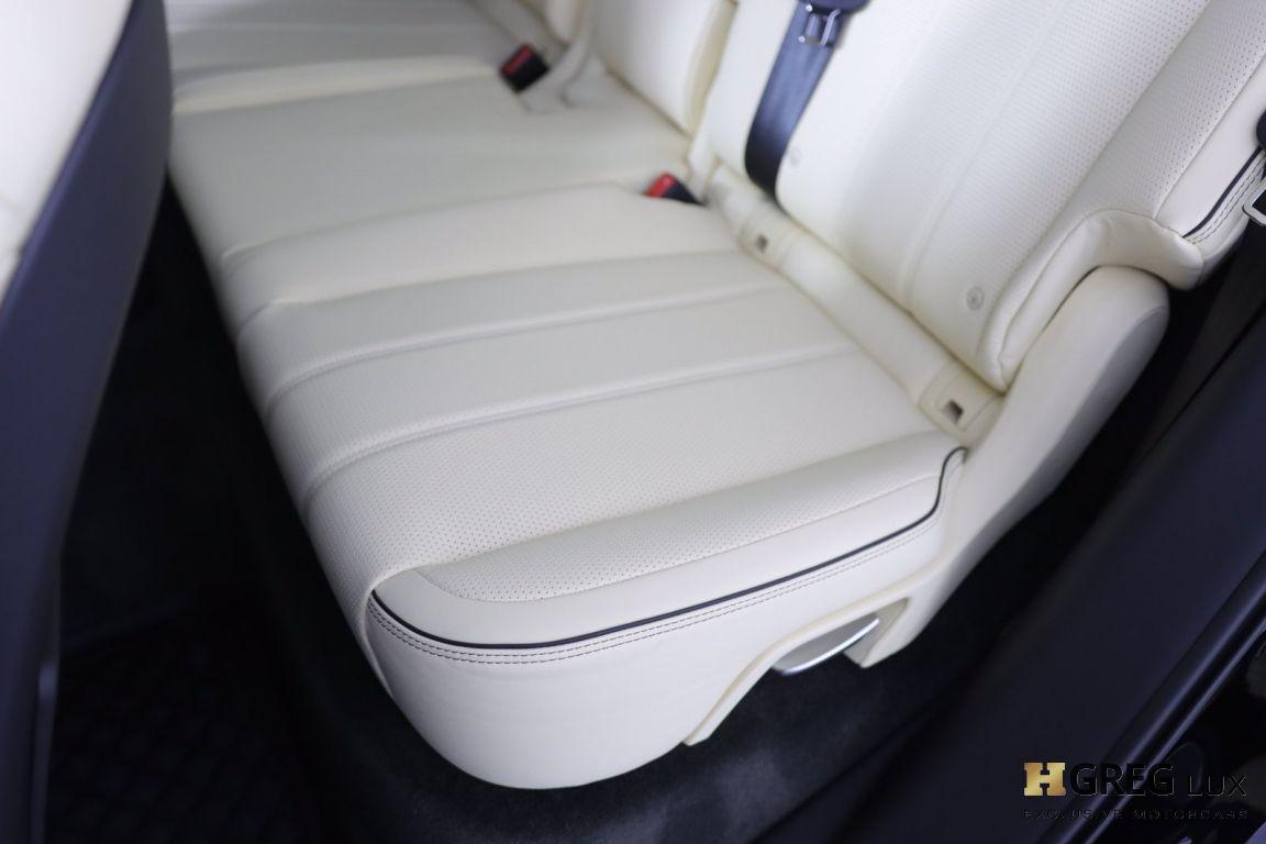 2021 Bentley Bentayga V8 #30