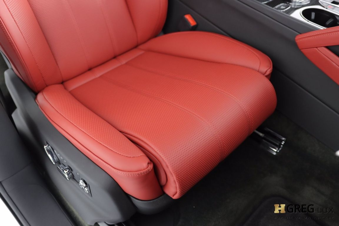 2021 Bentley Bentayga V8 #33