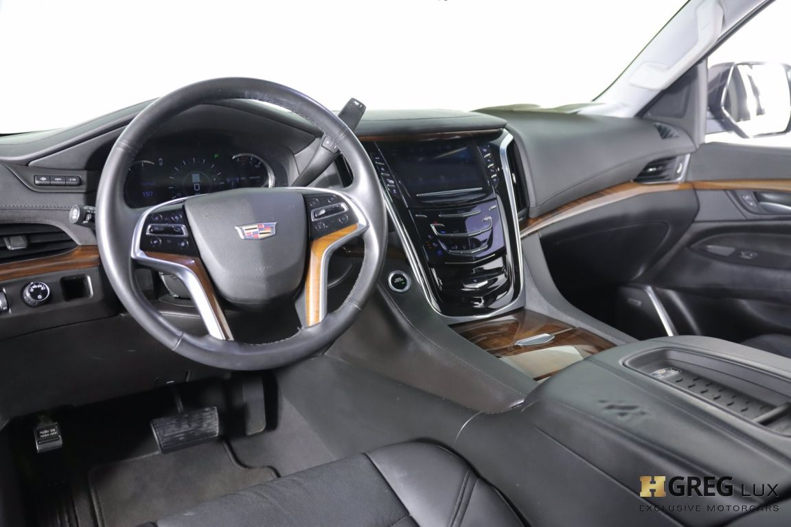 2017 Cadillac Escalade Luxury #1