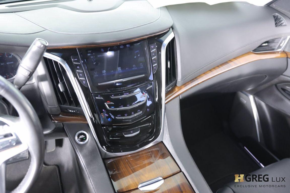 2017 Cadillac Escalade Luxury #39
