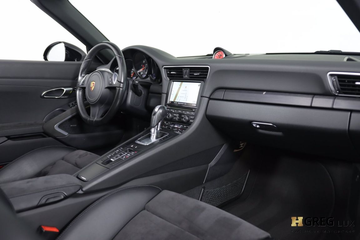 2016 Porsche 911 Carrera GTS #30