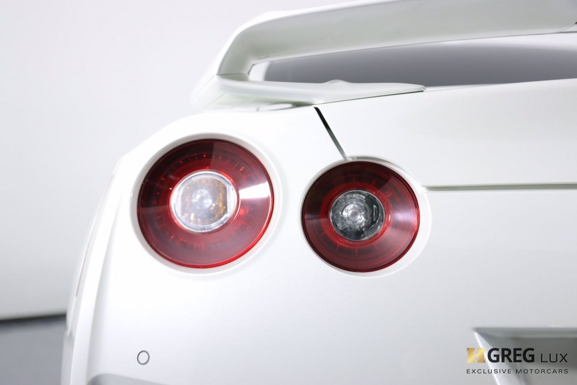 2021 Nissan GT R Premium #17