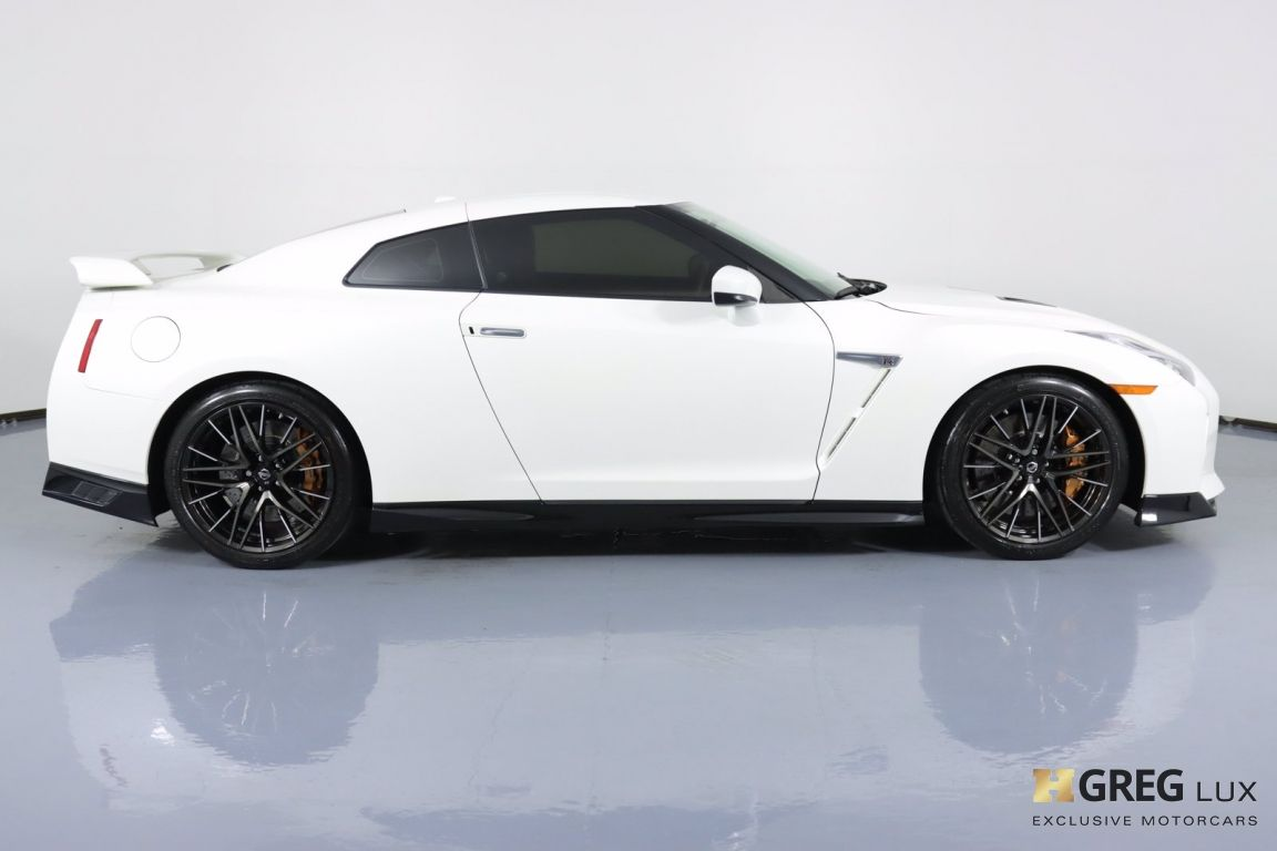 2021 Nissan GT R Premium #10
