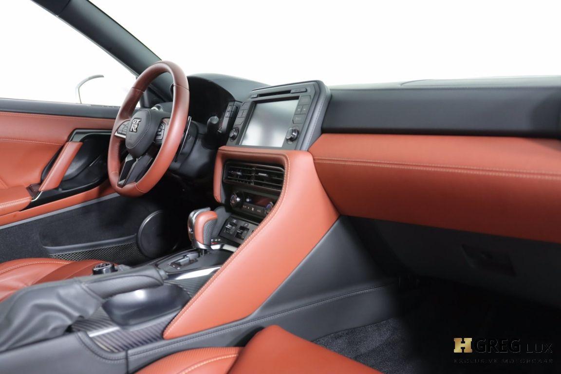2021 Nissan GT R Premium #28