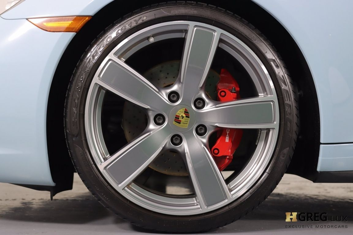 2017 Porsche 911 Carrera 4S #25