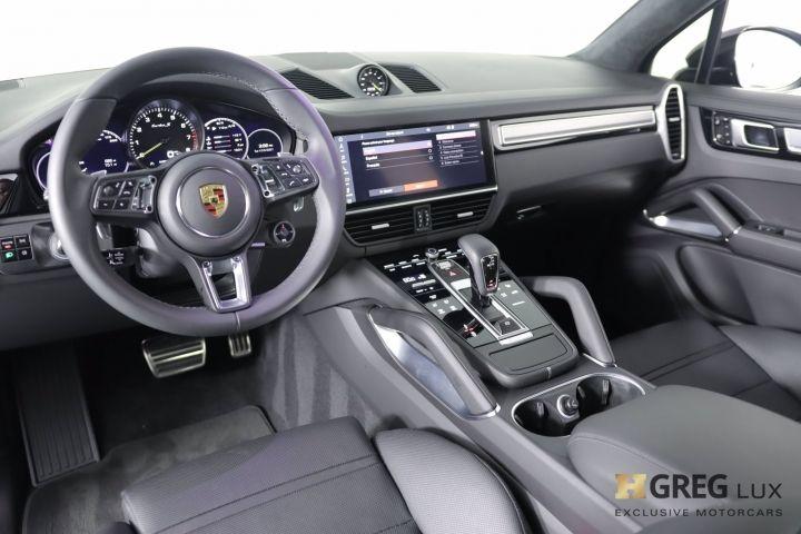 2021 Porsche Cayenne Turbo S E-Hybrid #1