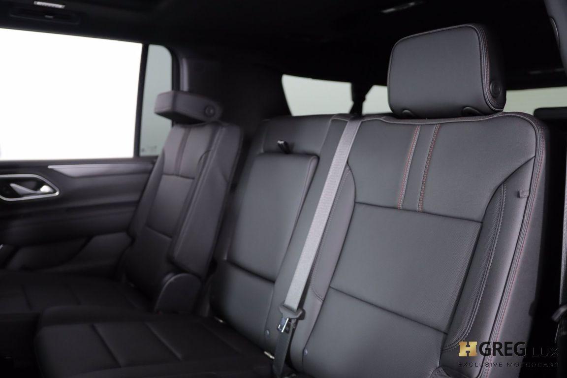 2021 Chevrolet Suburban RST #32
