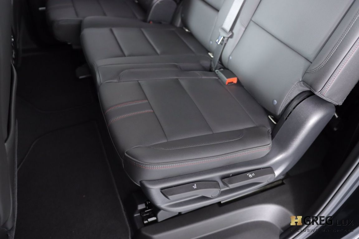 2021 Chevrolet Suburban RST #33