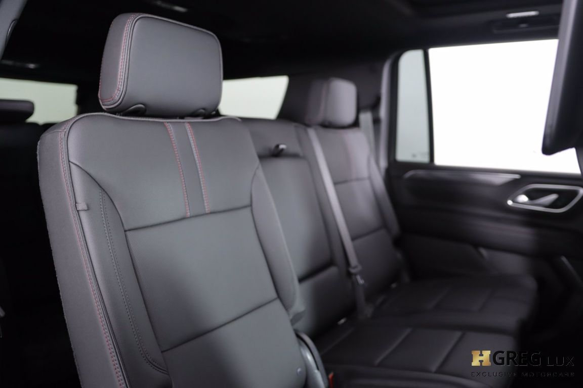2021 Chevrolet Suburban RST #36